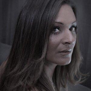 Denise Serville 歌手頭像