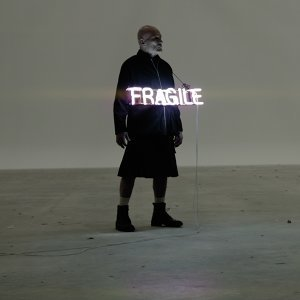 Fragile 歌手頭像