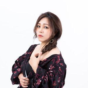 亦帆 (Canace Wu) Artist photo
