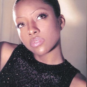 Sola Rey 歌手頭像
