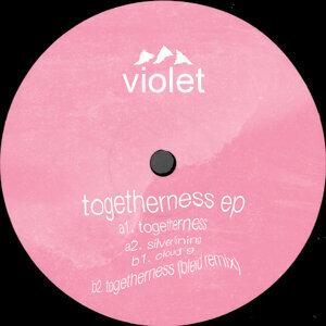 Violet 歌手頭像
