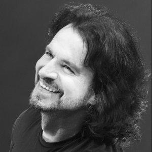 Yanni (雅尼) 歌手頭像