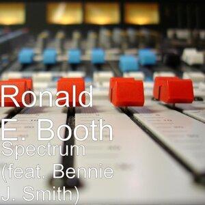 Ronald E. Booth 歌手頭像