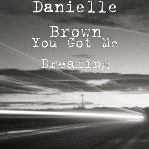 Danielle Brown 歌手頭像
