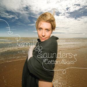 Emily Saunders 歌手頭像