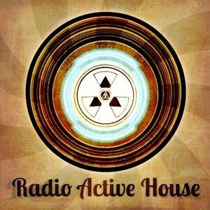 Radio Active House 歌手頭像