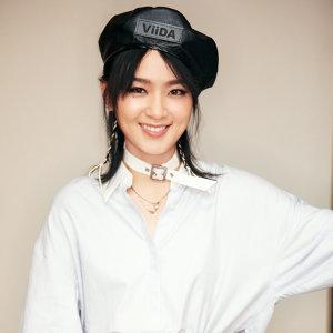 周筆暢 (Bibi Zhou)