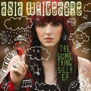 Asia Whiteacre 歌手頭像