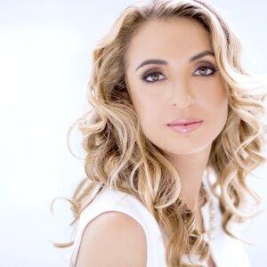 Julia Radosz 歌手頭像