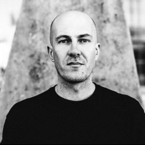 Julian Jeweil 歌手頭像