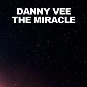 Danny Vee 歌手頭像