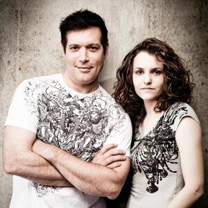 Jim & Rachel Cristaldi 歌手頭像