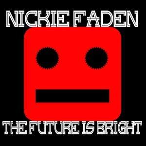 Nickie Faden 歌手頭像