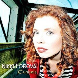 Nikki Forova 歌手頭像
