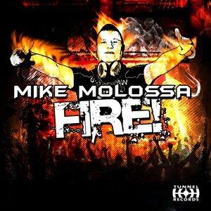Mike Molossa 歌手頭像