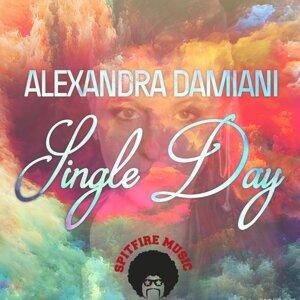 Alexandra Damiani 歌手頭像