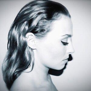 Elle 歌手頭像