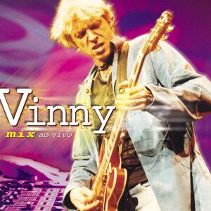 Vinny 歌手頭像
