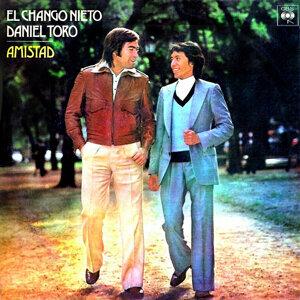 El Chango Nieto & Daniel Toro 歌手頭像
