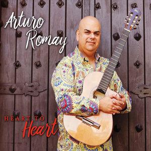 Arturo Romay 歌手頭像