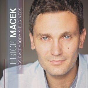 Erick Macek