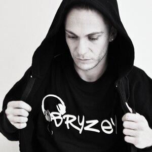 Bryzey 歌手頭像