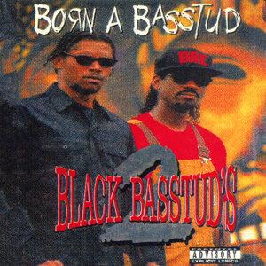 2 Black Basstuds