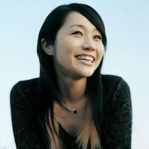 矢井田瞳 (Hitomi Yaida)