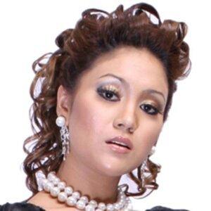 Azharina Azhar 歌手頭像