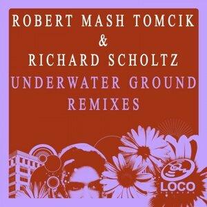Robert Mash Tomcik, Richard Scholtz 歌手頭像