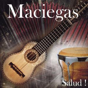 Maciegas 歌手頭像