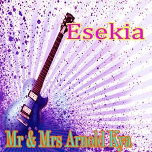 Mr & Mrs Arnold Kya 歌手頭像