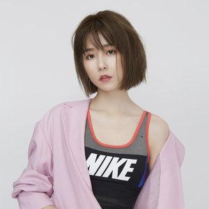 邵雨薇 Artist photo