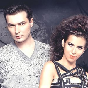 Liviu Hodor, Mona 歌手頭像