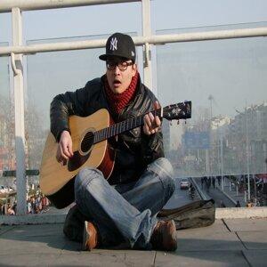 Qin Yujie 歌手頭像