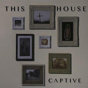Captive 歌手頭像