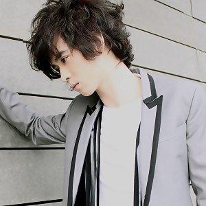 紀佳松 (BlueJ) 歌手頭像