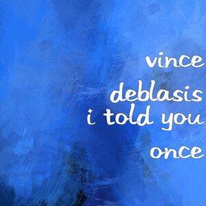 Vince DeBlasis, Tom Perri 歌手頭像