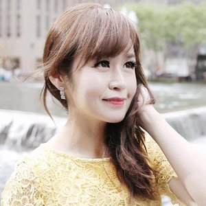 Lorraine Tan 歌手頭像