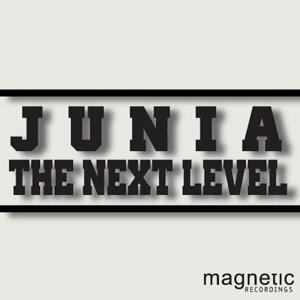 Junia 歌手頭像