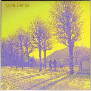 Love Dance 歌手頭像
