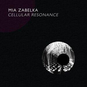 Mia Zabelka 歌手頭像