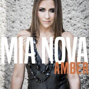 Mia Nova 歌手頭像