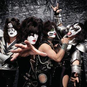 Kiss アーティスト写真