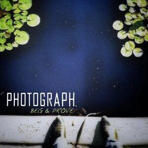 Photograph. 歌手頭像