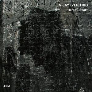 Vijay Iyer Trio 歌手頭像