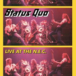 Status Quo (現狀合唱團)