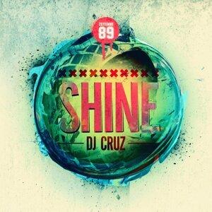 DJ Cruz 歌手頭像