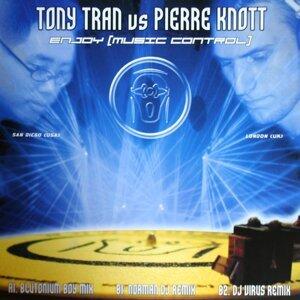 Tony Tran vs. Pierre Knott 歌手頭像