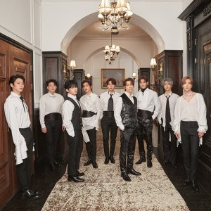 SUPER JUNIOR Artist photo